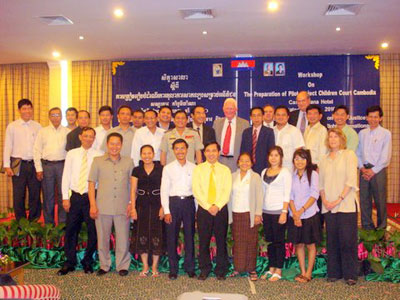 Seminar held to discuss the Children's Court project at Phnom